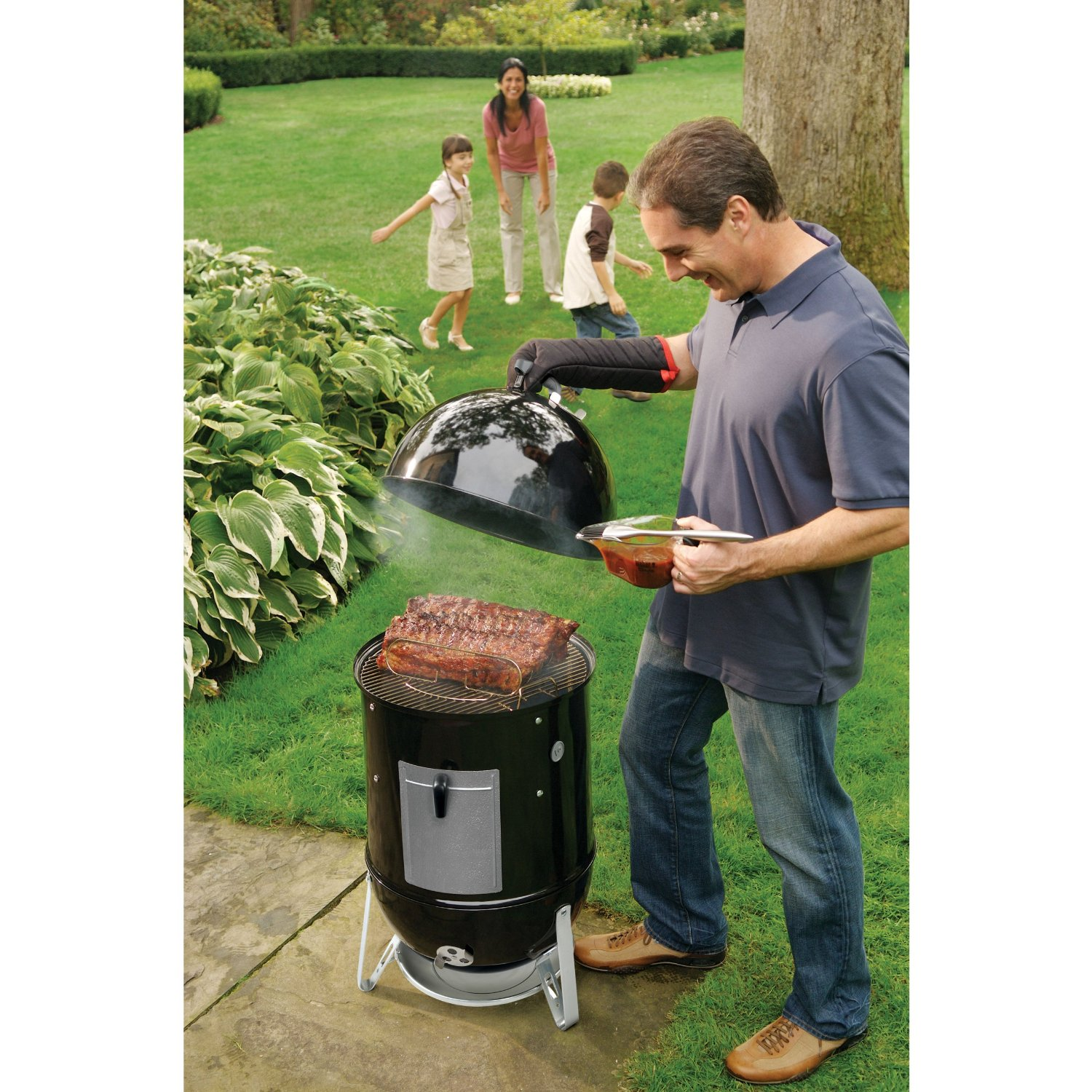 Best Smokers under 300 for your Backyard September 2019
